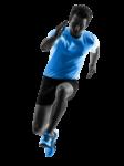 Скачать PNG картинку на прозрачном фоне Мужчина в черных шортах и голубой майке бежит вперед, вид спереди